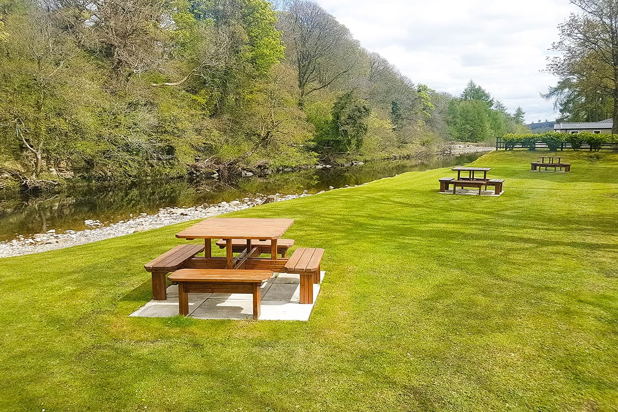 Enjoy picnics by the river Wear at Kingfisher
