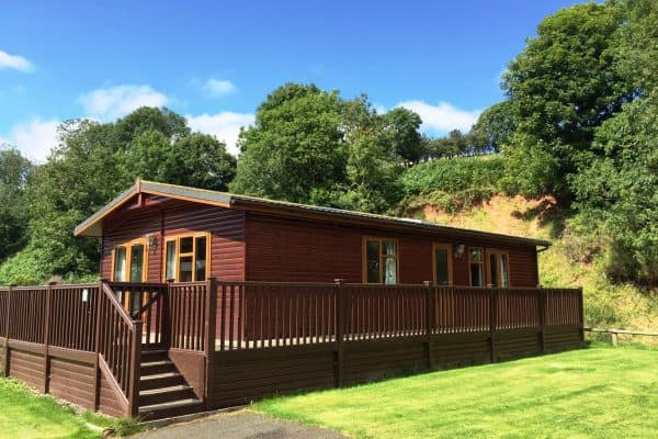 Enjoy holidays with your pet dog in our doggy lodge at Thurston Manor
