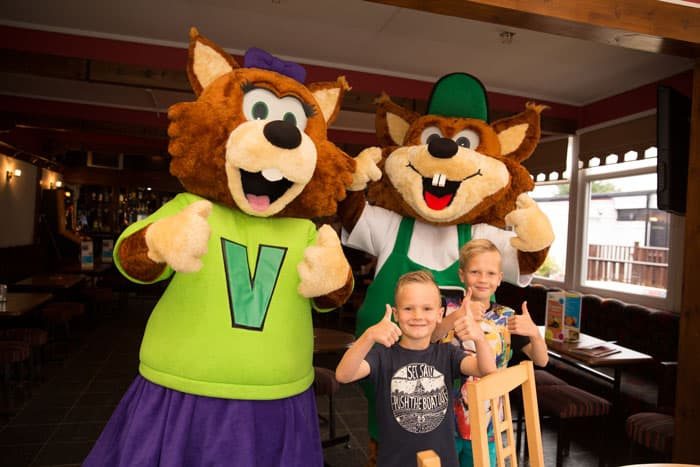 Have fun with Vinnie and Violet at a Verdant Leisure Park