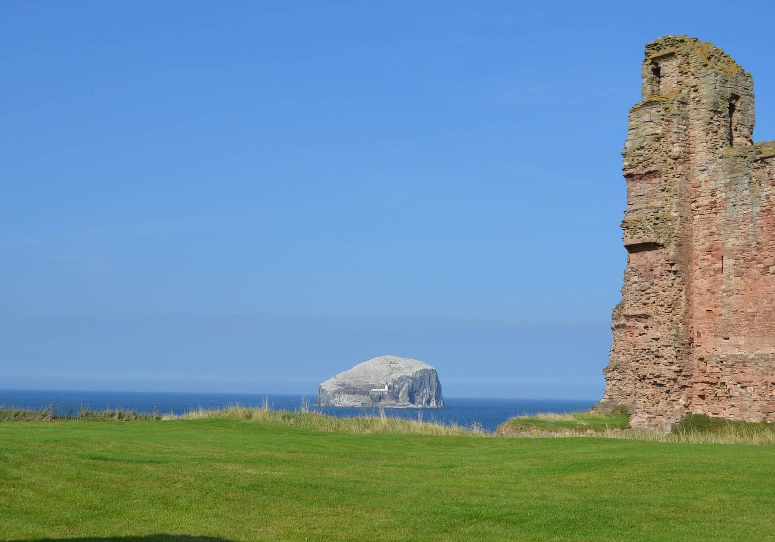 John Muir Country Park walk. Belhaven Bay and Bass Rock